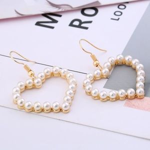 Jewelry - Pearl Heart Gold Drop Earrings B8